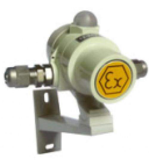 """ВС-07е-И 12-24 (компл.01), ШТ1/2""""+ШТ1/2"""" Оповещатель комбинированный свето-звуковой взрывозащищенный"""